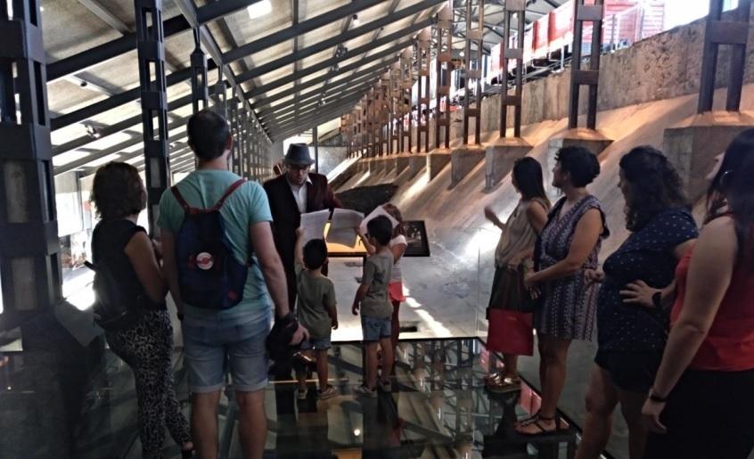 Visitas teatralizadas familia fabrica de luz. museo de la energia Ponferrada