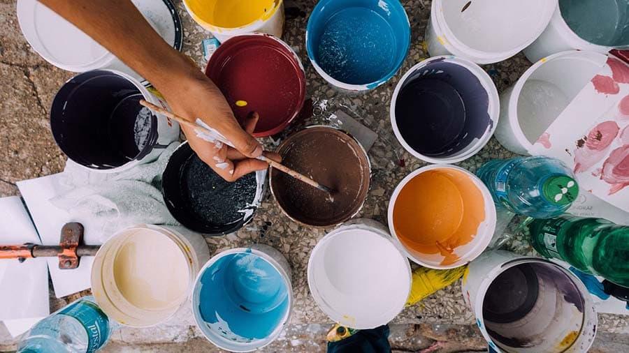 botes de pintura generica agenda del bierzo El Bierzo