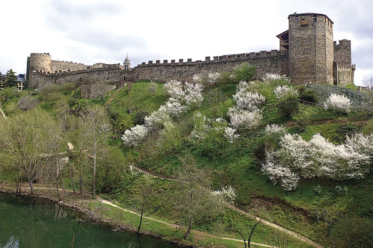 castillo ponferrada río